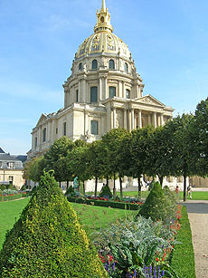 l'Hôtel des Invalides in Paris' 7th arrondissement.  Copyright 2006 -2010 Cold Spring Press.  All rights reserved.
