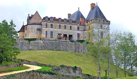Château de Biron, Dordogne. Copyright Cold Spring Press 2011-present.  All rights reserved.