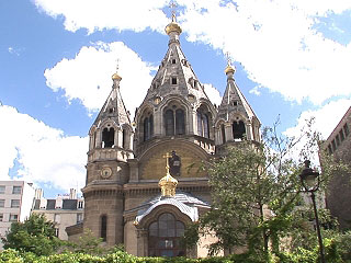 Saint Alexander Nevski Russian Orthodox Cathedral.  Photo credit: http://www.netprof.fr.
